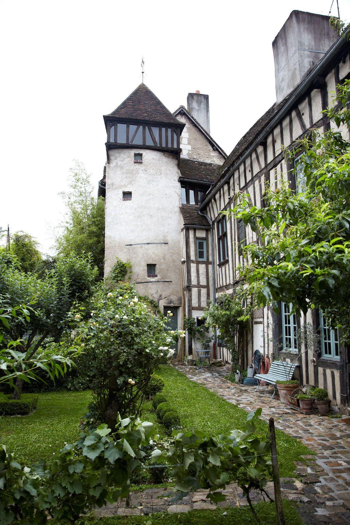 16th Century French Home - eaf63ab9334fd010de82fd36fd628c89_Simple 16th Century French Home - eaf63ab9334fd010de82fd36fd628c89  Image_563989.jpg