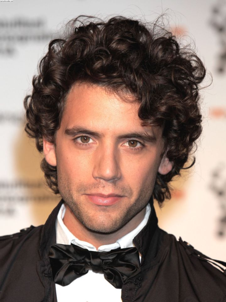 Men s Curly Hairstyles For Stylish Guys Out There StyleKuw