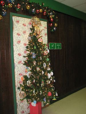 Tell It Slant 2007 Christmas Door Decorating Contest At
