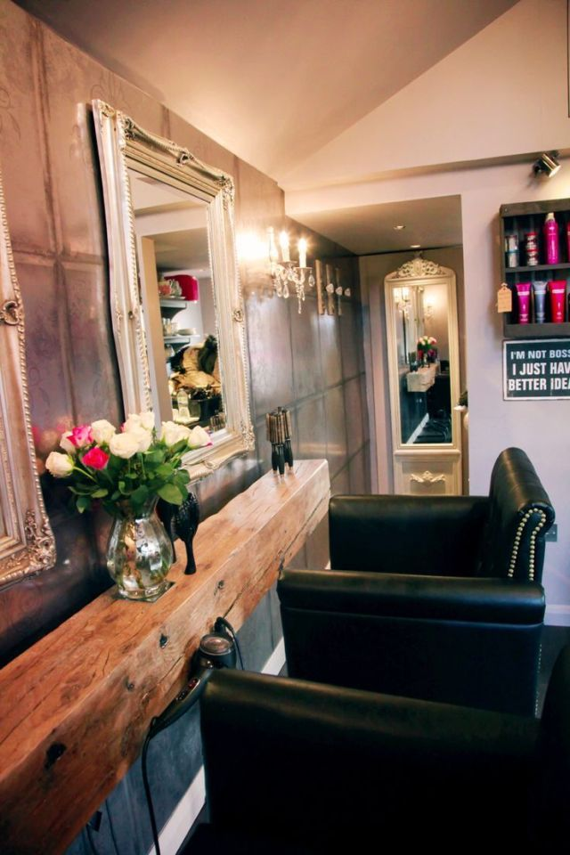 The shed  Hair  salon  designed by detail design  studio