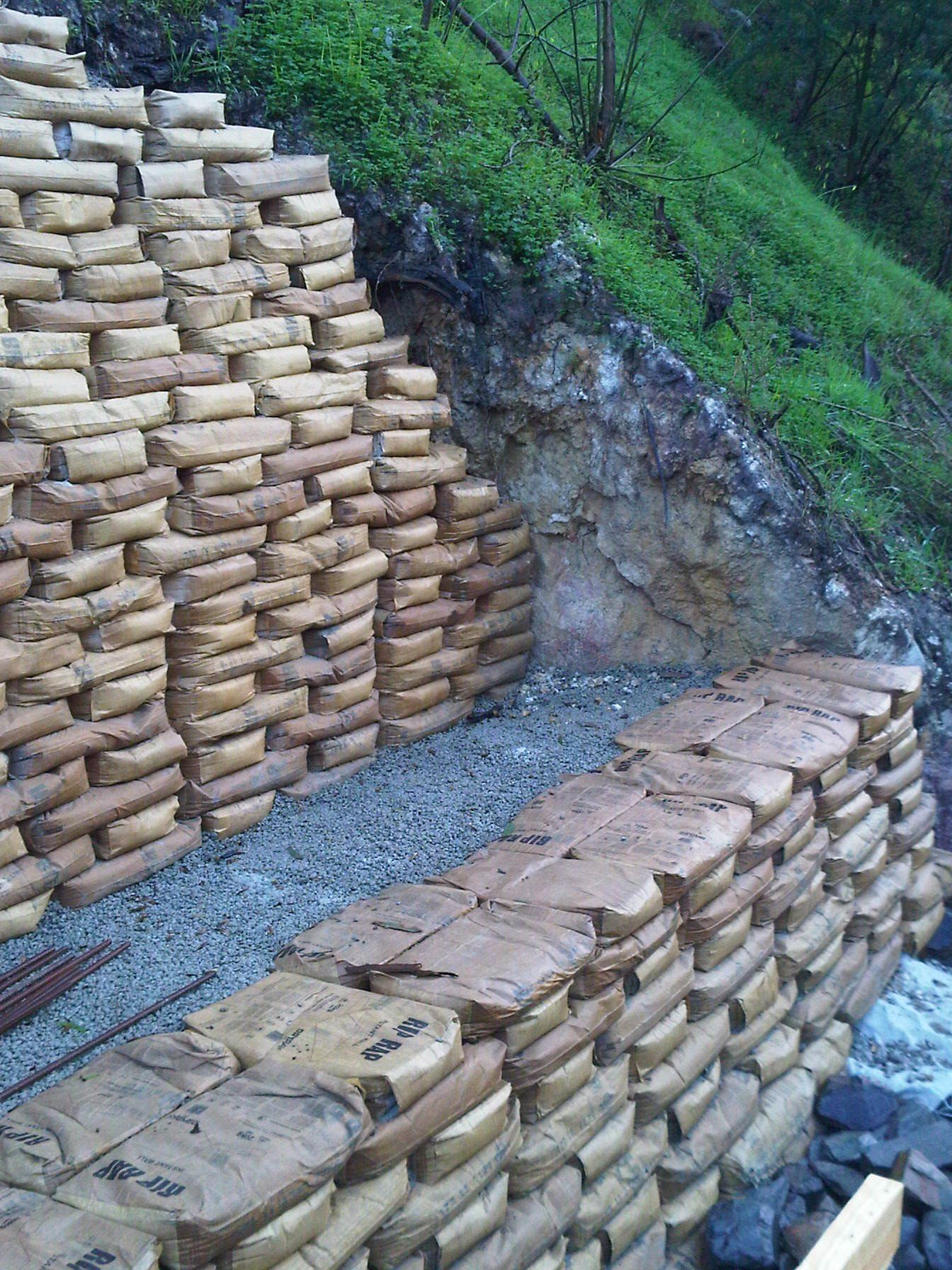 use of concrete bags as retaining walls google search on retaining wall id=51072