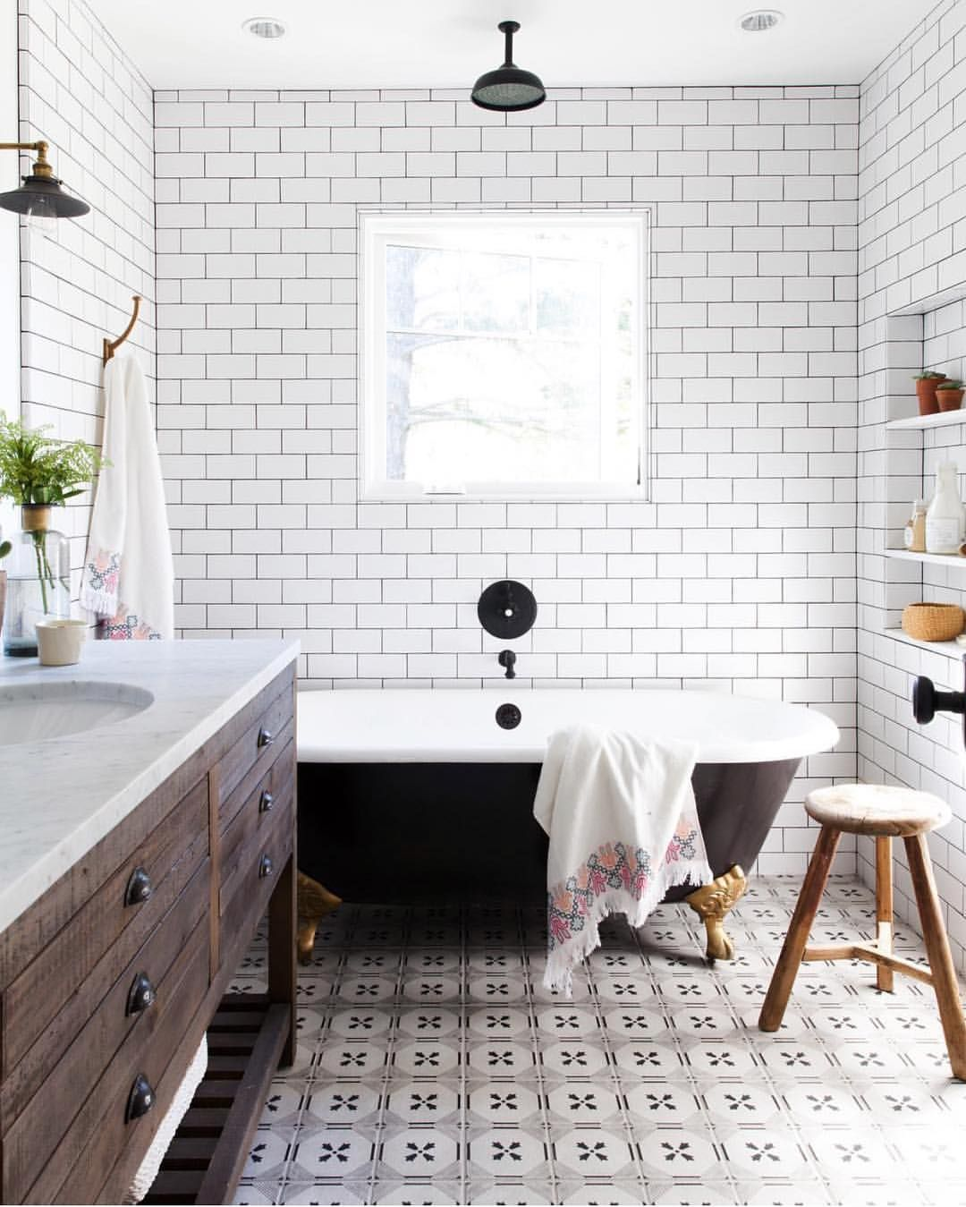 This is -rustic modern farmhouse bathroom with white ... on Rustic Farmhouse Bathroom Tile  id=15581