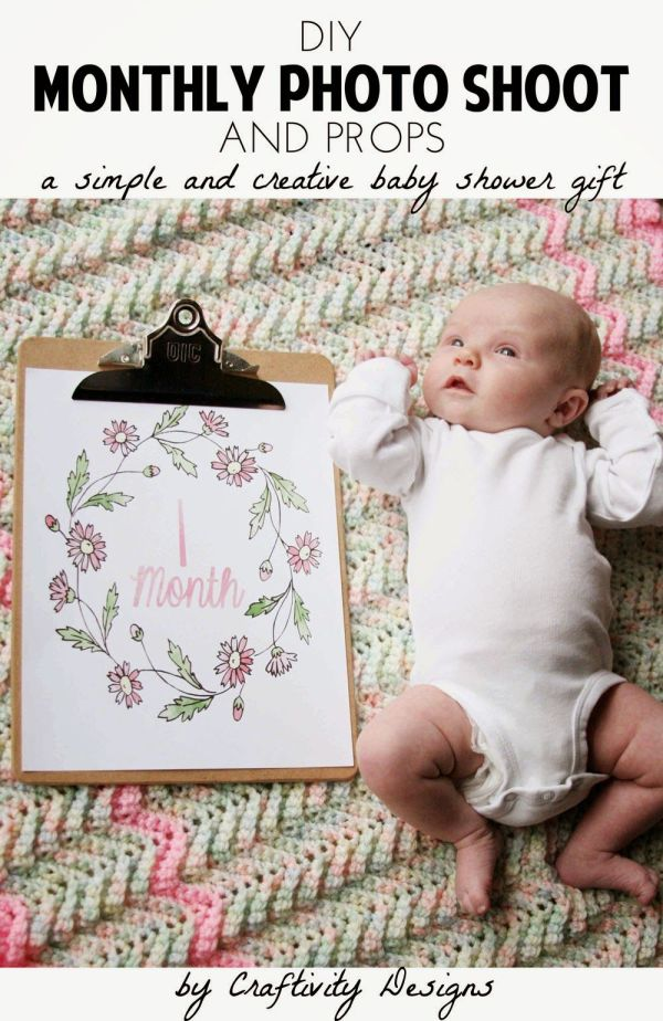 DIY Monthly Baby Photos Simple baby shower Monthly baby