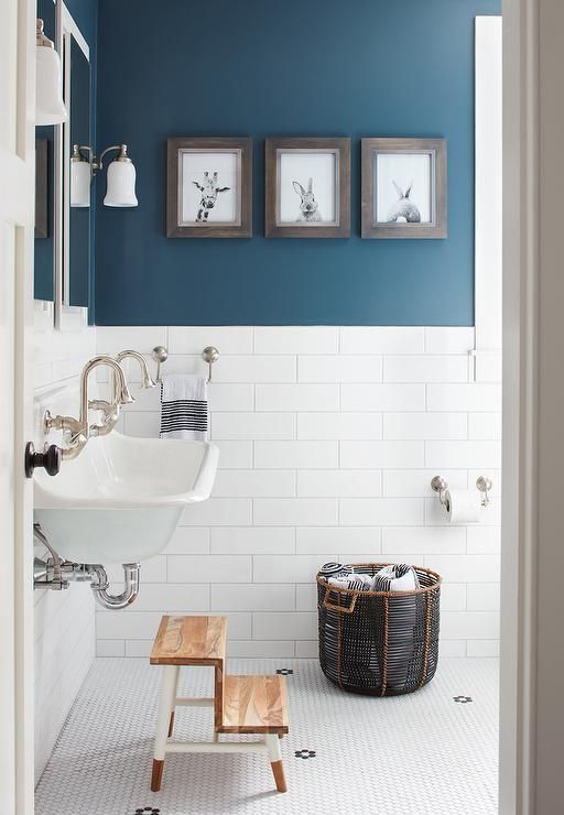 wall color is benjamin moore newburg green. gorgeous teal color