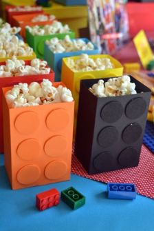 Boîtes de pop corn Lego