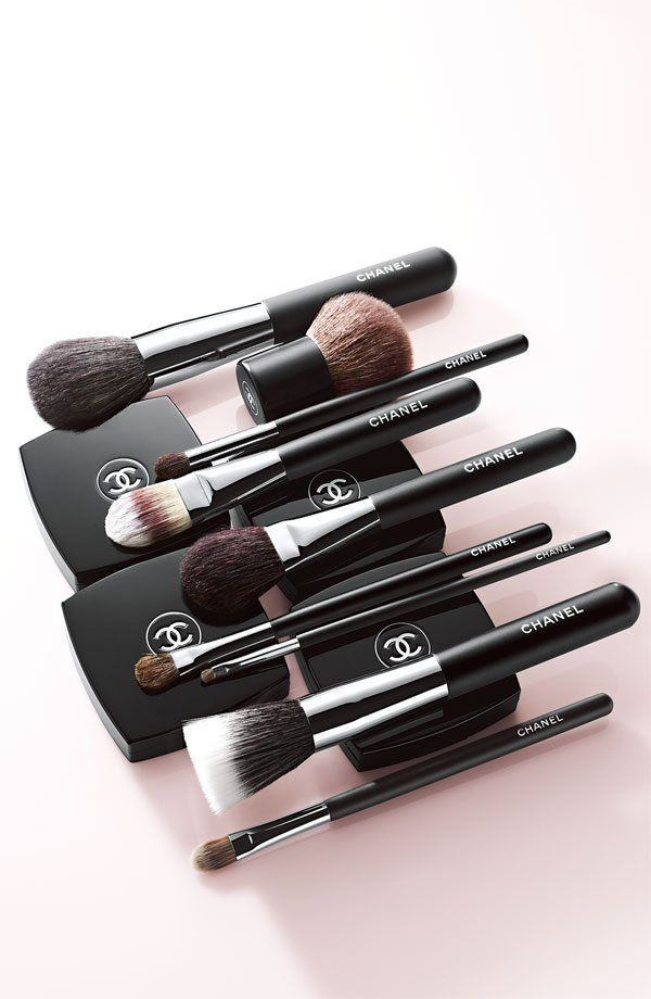 Check Out Heather Dillard S Chanel Makeup And Brushes