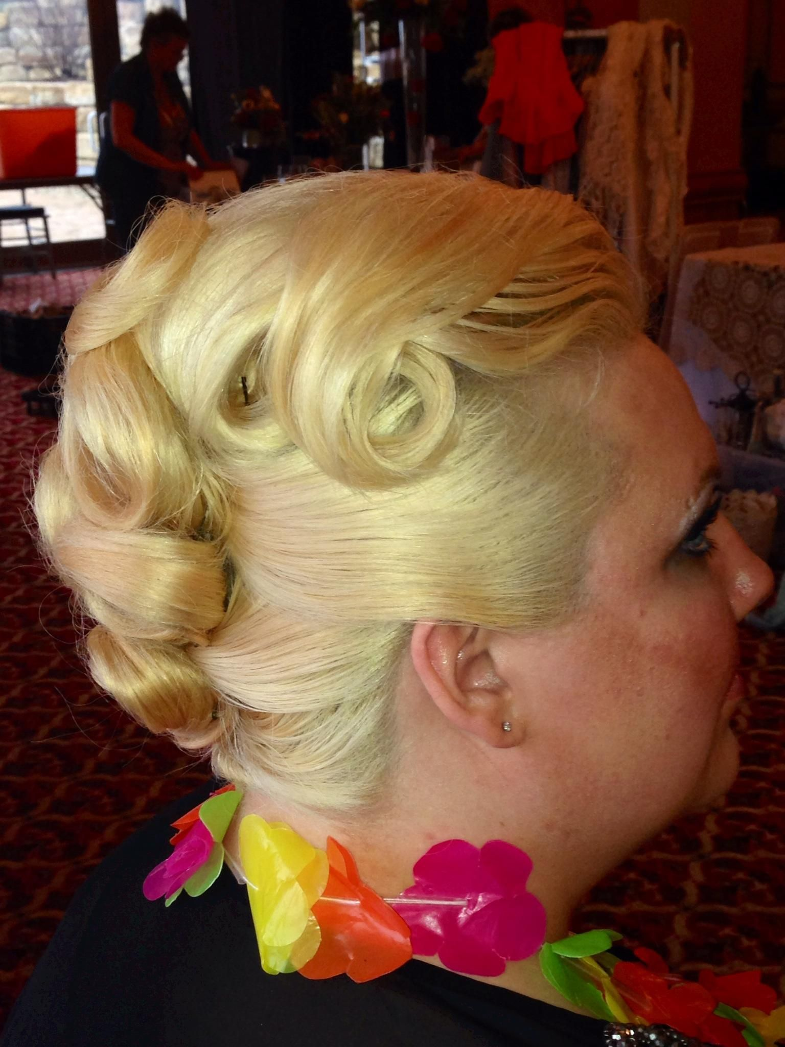 Vintage pin curl look created without heat and on the spot at a