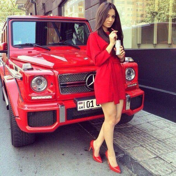 Красный Гелик Фото