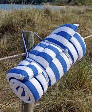 Beach Mattress Bleu Et Blanc