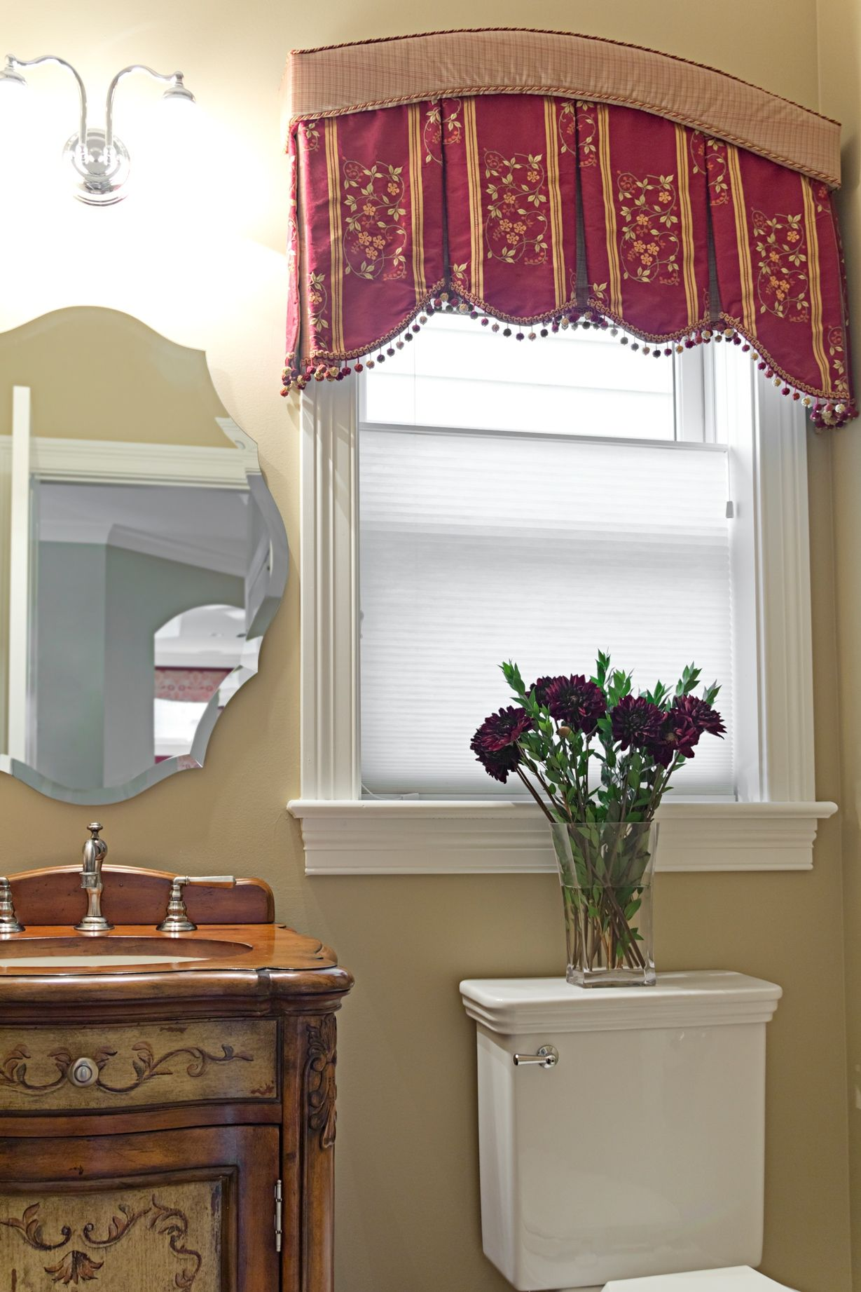 Curved Box Pleated Valance