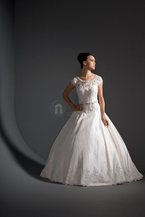 Beautiful modest wedding dress