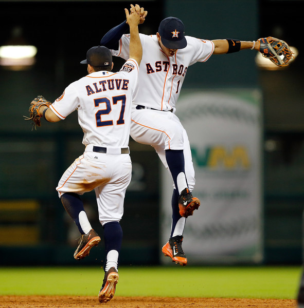 Carlos+Correa+Jose+Altuve+Boston+Red+Sox+v+_VzMWaZ3R36l