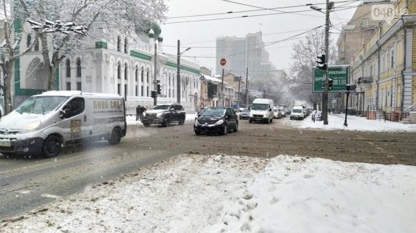 Снежная буря в Одессе: ситуация на дорогах города, - ФОТО ...