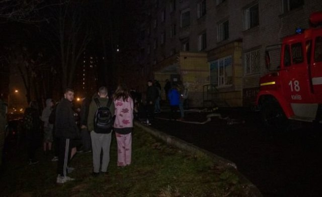 В Киеве горело общежитие НАУ: эвакуировали 120 человек, ФОТО, фото-1, kiev.informator.ua