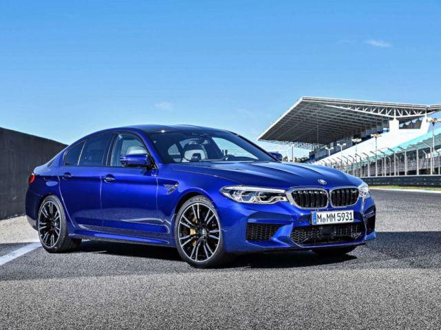 PHOTO: BMW M5