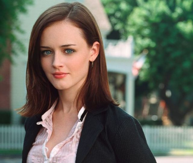 Rory Gilmore Meets Michelle Obama In New Gilmore Girls Teaser Abc News