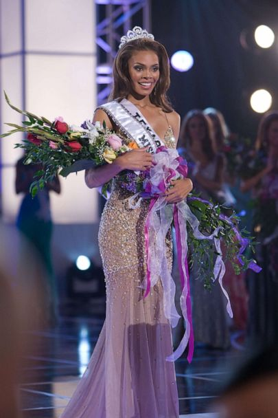 PHOTO: Crystle Stewart is crowned Miss USA 2008 in Las Vegas.