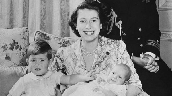 Queen Elizabeth II: A Life in Pictures - ABC News
