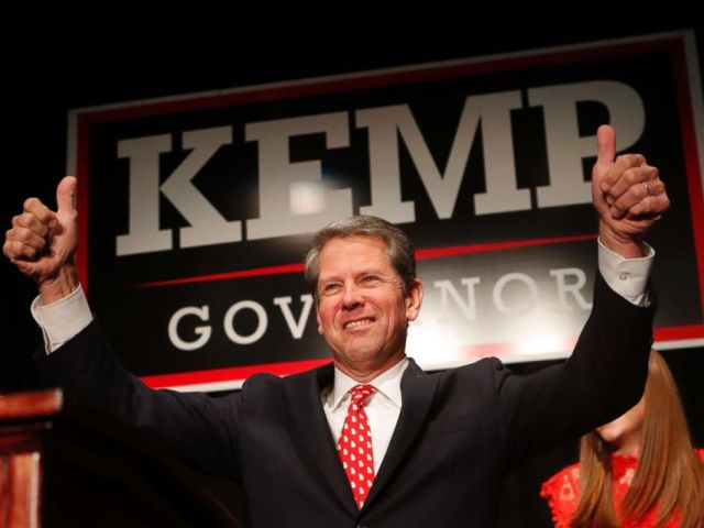 PHOTO: Georgia Republican gubernatorial candidate Brian Kemp gives a thumbs-up to supporters, in Athens, Ga., Nov. 7, 2018.