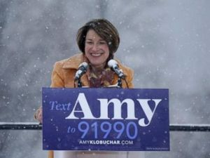 PHOTO: Sen. Amy Klobuchar greets the crowd before announcing her bid for president at Boom Island Park in Minneapolis, Feb. 10, 2019.