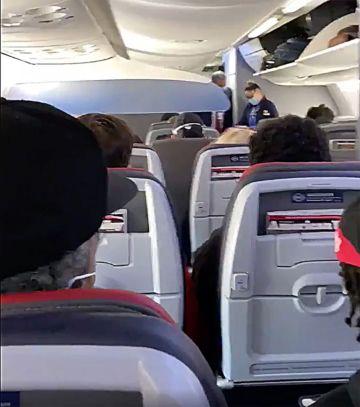 Delta, American, United exigirá a los pasajeros que usen máscaras