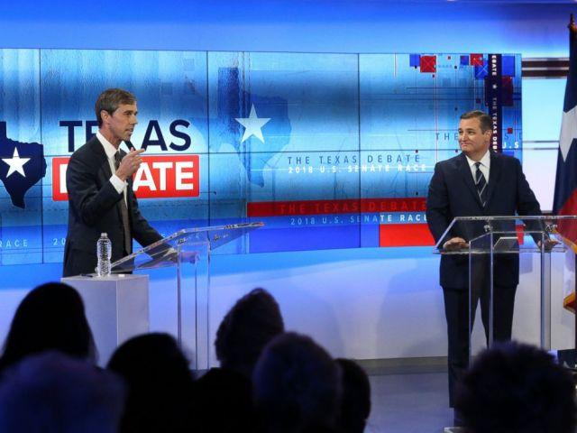 FOTO: el Representante de los Estados Unidos Beto ORourke, D-Texas, izquierda, y el Senador de los EE. UU. Ted Cruz, R-Texas, derecha, participan en un debate para el Senado de los EE. UU. De Texas, el martes 16 de octubre de 2018, en San Antonio.