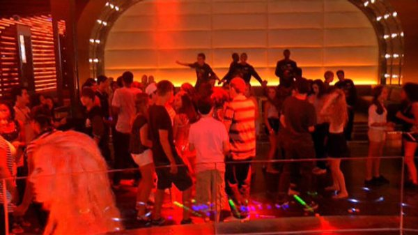 Atlantis' Teen Club Scene Includes Mocktails, Charge Cards ...