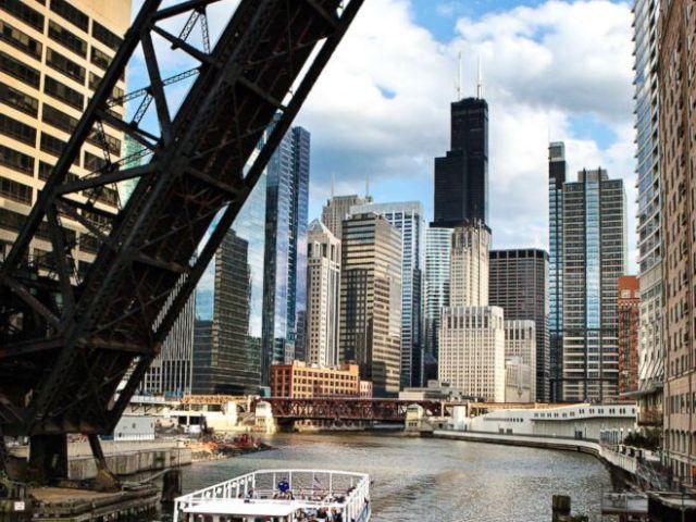PHOTO: Chicago Architecture River Cruise