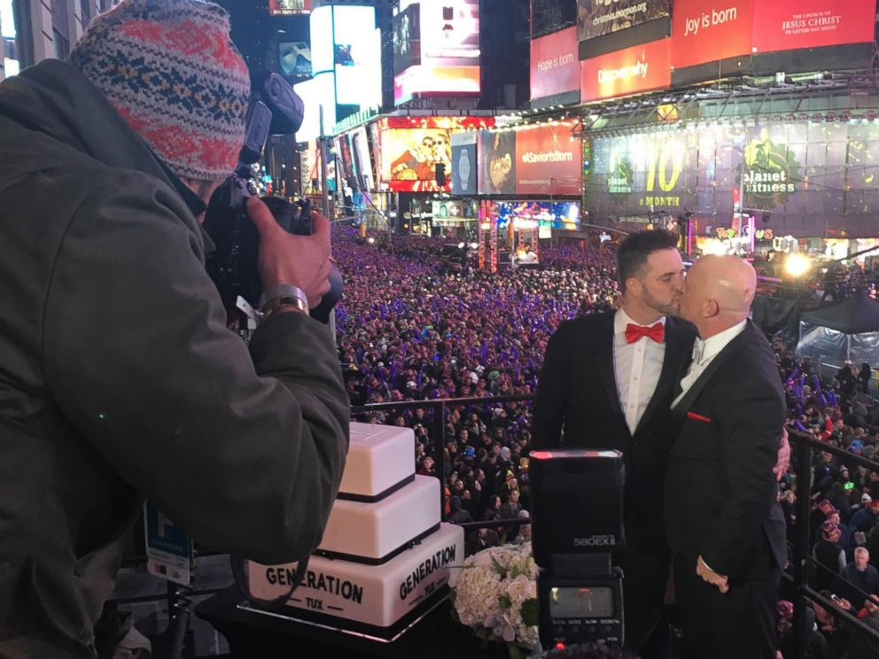 See Two Couples Get Married in Times Square on New Year s Eve   ABC News PHOTO Alexander and Michael Eisele Westbrook were the runners up in the  competition