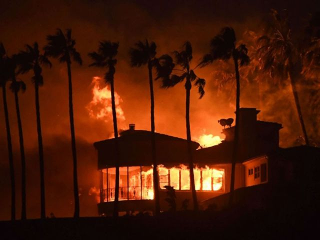 PHOTO: A house burns during the Woolsey Fire on Nov. 9, 2018 in Malibu, Calif.