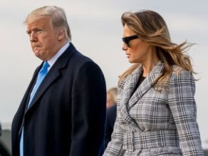 PHOTO: President Donald Trump and first lady Melania Trump arrive at Pittsburgh International Airport in Coraopolis, Pa., Oct. 30, 2018.