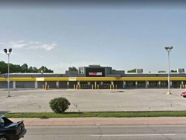 PHOTO: The former location of the No Frills Supermarket in Council Bluffs, Iowa.