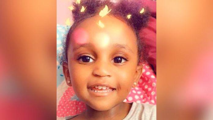 Authorities are looking for missing 2-year-old Noelani Robinson. Noelani was last seen with Dariaz Higgi.