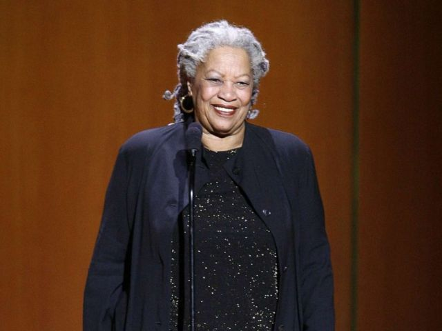 PHOTO: Writer Toni Morrison accepts an awards at Lincoln Centers Avery Fisher Hall, Nov. 5, 2007 in New York.