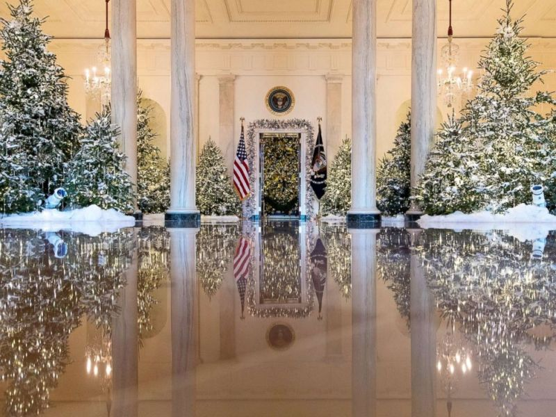 White House Holiday Decorations Photo The Grand Foyer And Cross Hall Are Decorated With Nuter Suite Theme During