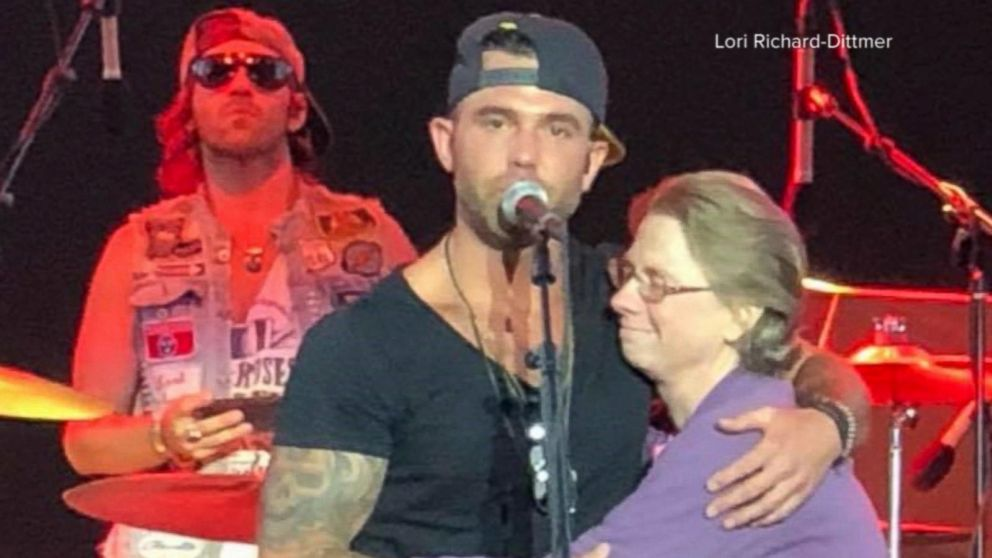jay allen, shares stage with mother