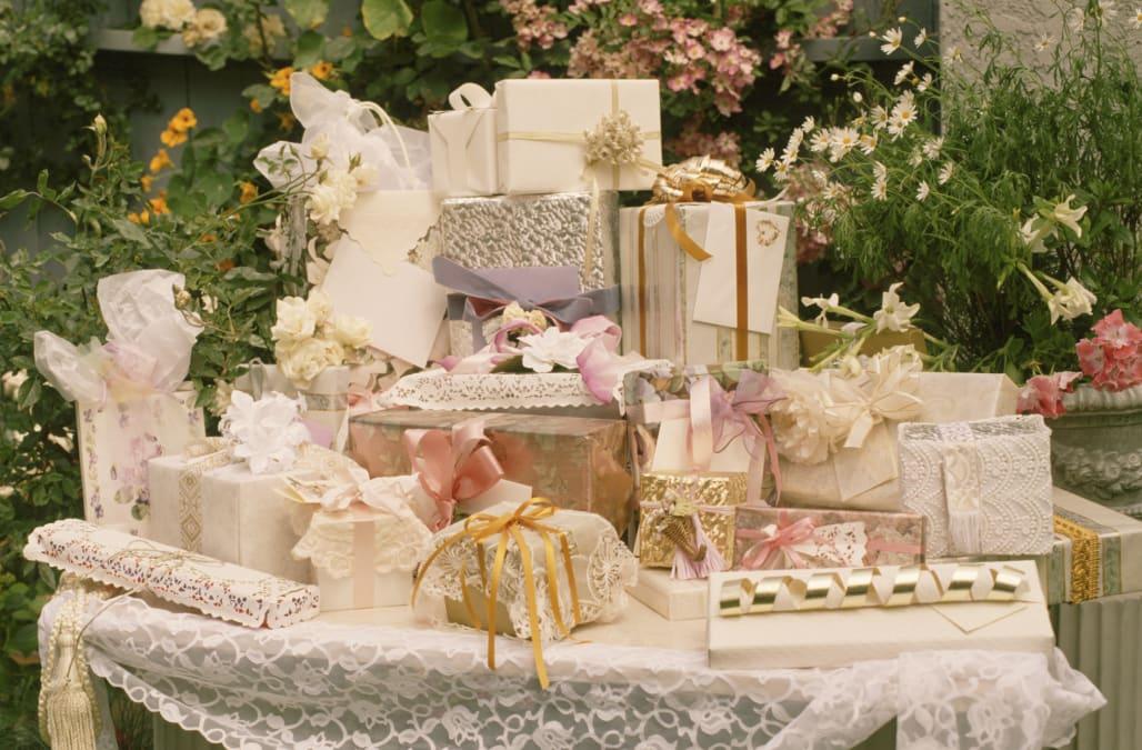Data Reveals Average Wedding Gift Amount
