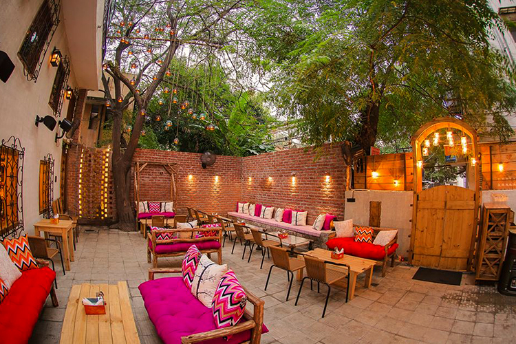 We Found The Prettiest Outdoor Restaurants In Delhi For