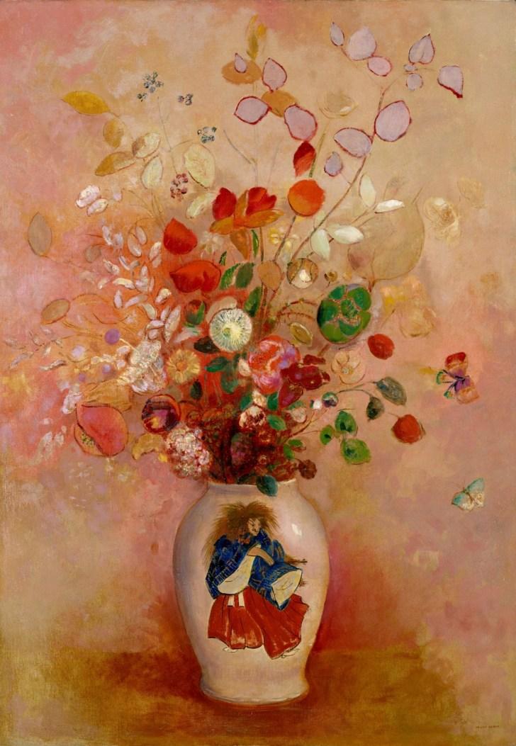 1890年頃から油彩やパステルを用いて幻想的な花などをあざやかな色彩で描いたルドン。幻想的で浮き上がるような花瓶の横には、花びらにも見える蝶が描かれている。