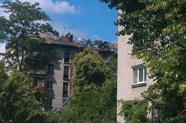 На Дарнице горит старое общежитие (ФОТО) | Новости
