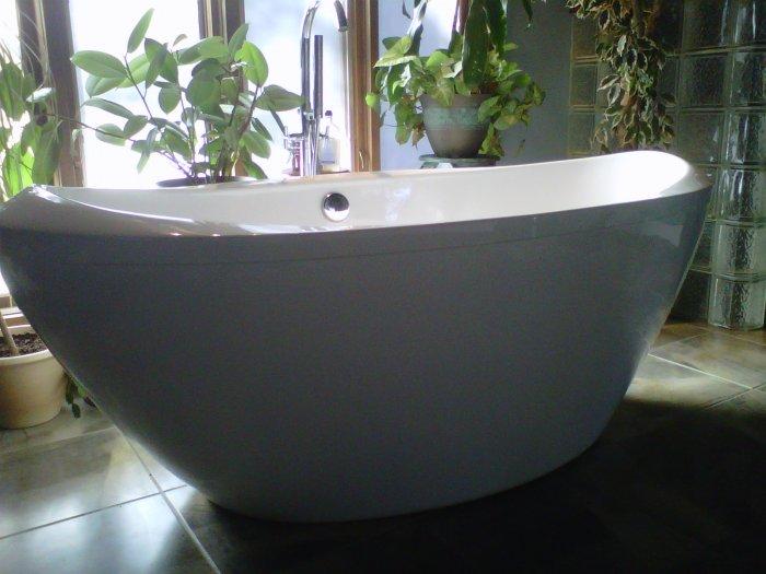 Alexander MODERN FREE STANDING BATHTUB Amp FAUCET Bath Tubs