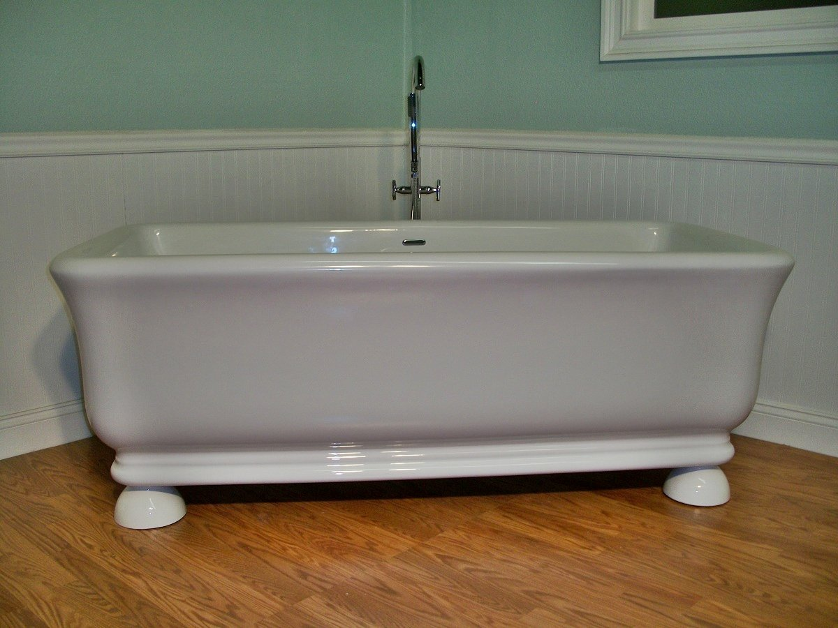 Jovin Free Standing Pedestal Unique Designer Bathtub