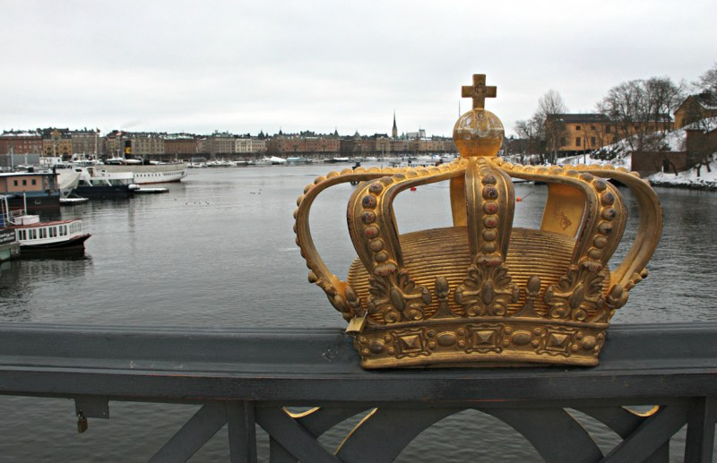 12.  До 2009 года шведский язык в Швеции не являлся официальным факты, швеция