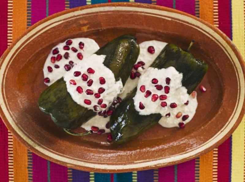 Chiles en nogada (Мексика) блюдо, еда, туризм