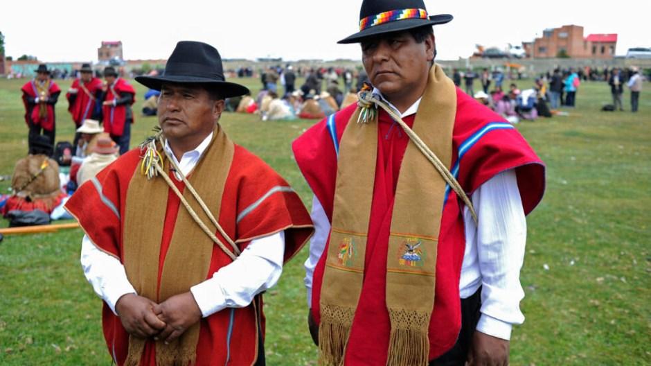 """Resultado de imagen de Los Ponchos Rojos, la milicia aymara que se planta como la """"retaguardia"""" de Bolivia"""