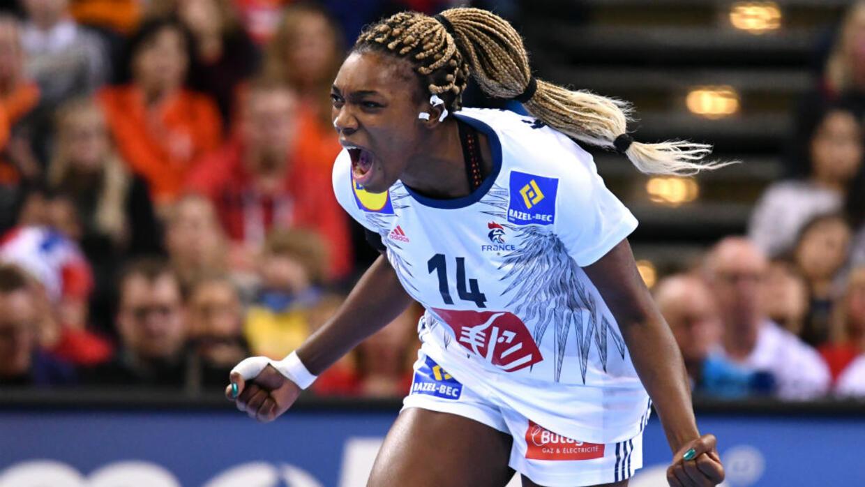 كرة اليد منتخب فرنسا للسيدات يفوز ببطولة العالم بعد تغلبه على النرويج