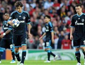 Raul e o time do Schalke contra o Manchester United (Foto: Getty Images)