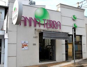 farmácia de medicamentos de Cesar Cielo (Foto: João Gabriel Rodrigues / GLOBOESPORTE.COM)