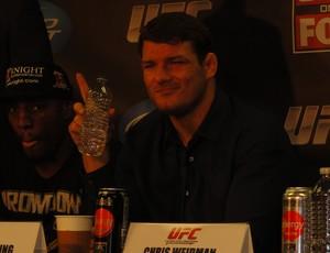 Michael Bisping sorri durante coletiva de imprensa do UFC em Chicago (Foto: Marcelo Russio)