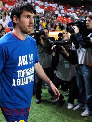 camisa abidal messi sevilla x barcelona (Foto: AFP)